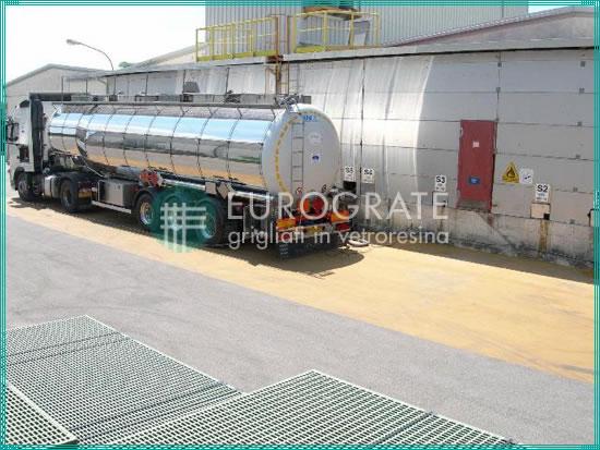 producent krat z włókna szklanego z ciągłym zautomatyzowanym cyklem produkcyjnym